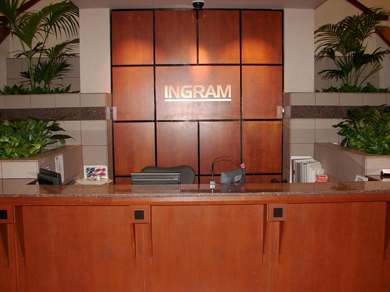 Front reception desk (210.83 KB)