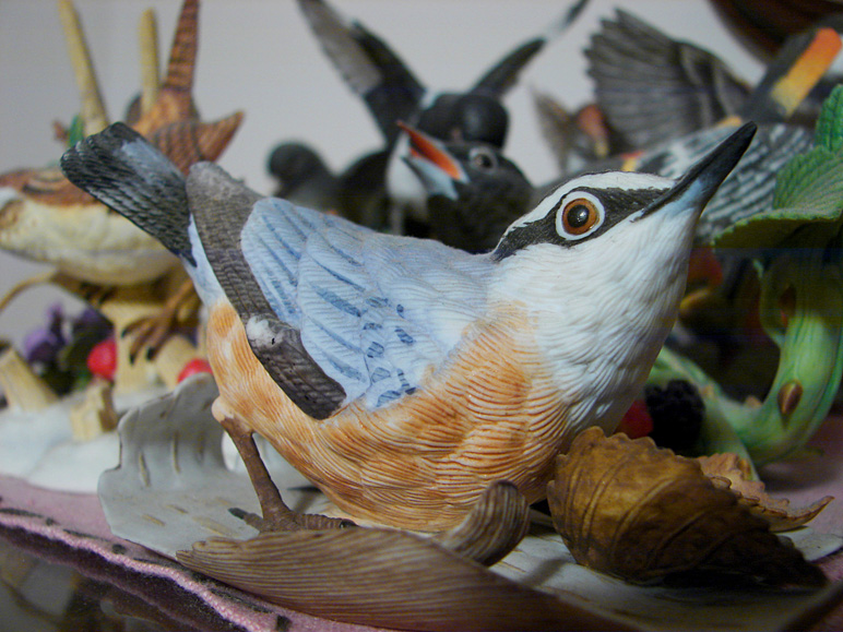 One of many bird figurines at my grandma's (218.78 KB)