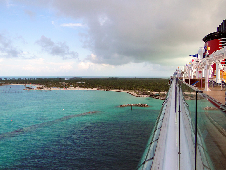 Here's the view of Castaway Cay from the Dream (184.45 KB)