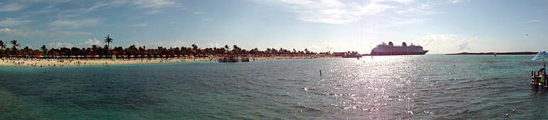 Panoramic view of Castaway Cay and the Disney Dream (78.41 KB)