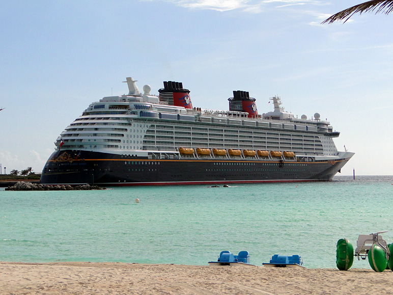 That's the Disney Dream.  I nerded out over that ship. (195.89 KB)