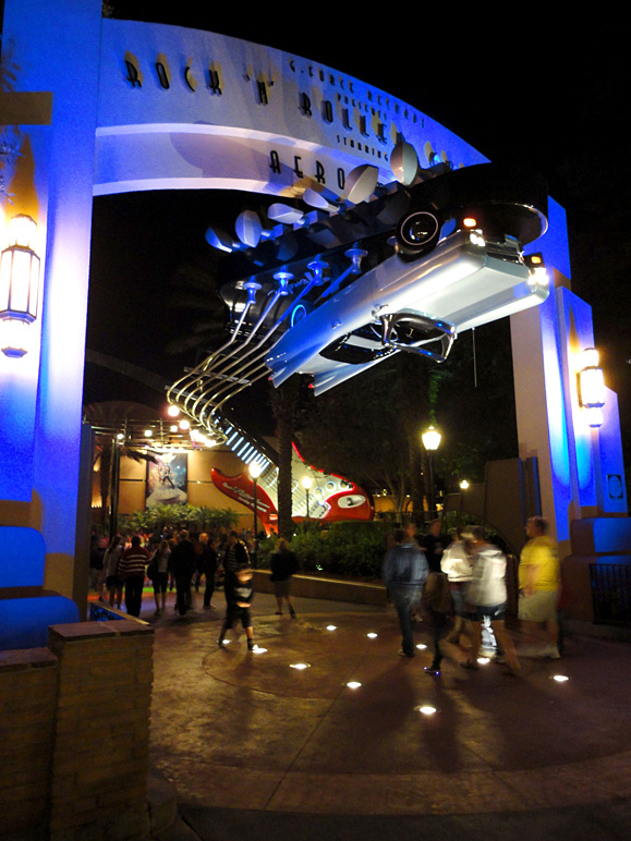 The entrance to Rock 'n' Roller Coaster Starring Aerosmith (200.62 KB)