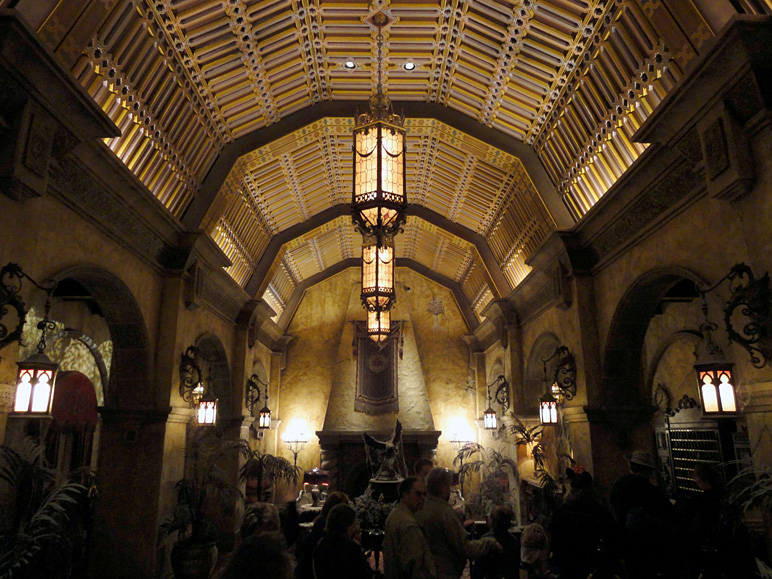 This is the lobby inside the Tower of Terror (248.47 KB)