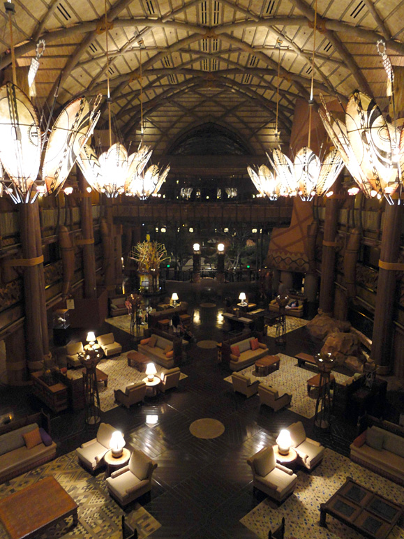 Another shot of the Animal Kingdom Lodge lobby (250.34 KB)