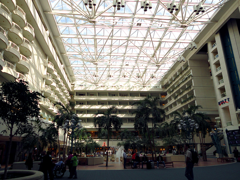 The Orlando airport really isn't too bad (296.47 KB)