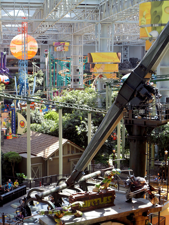 This is the amusement park at the Mall of America (321.61 KB)