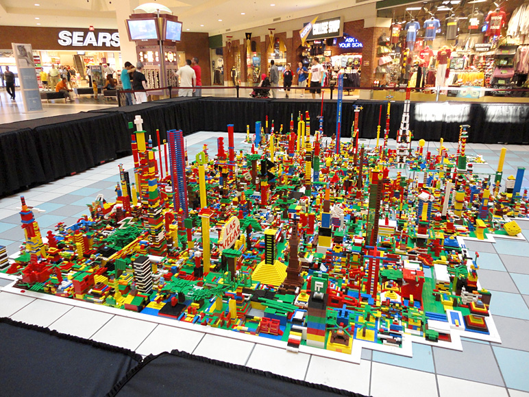This was the result of a public Lego-building event at the mall (362.00 KB)